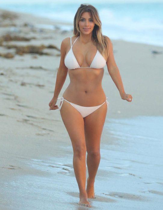 kim kardashian después del embarazo