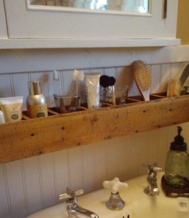 life hacks organizador sobre llavesde baño
