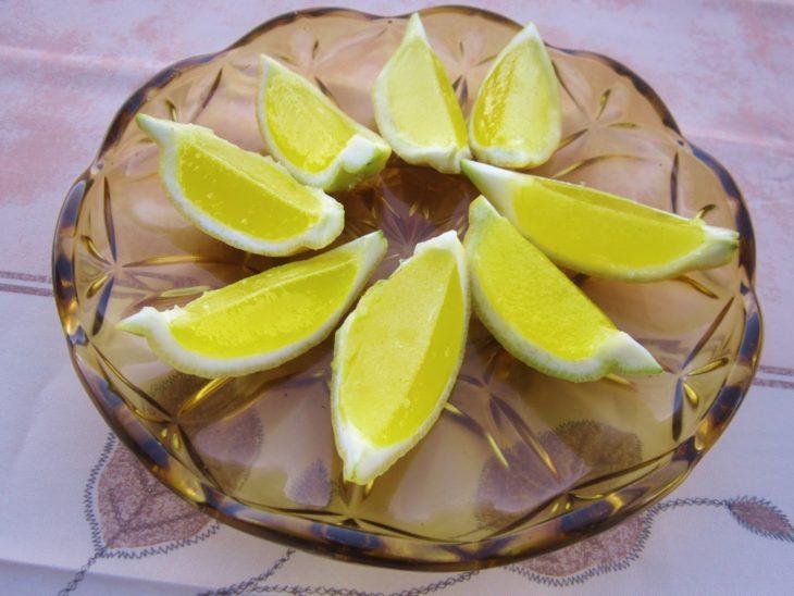 limones en gajos elegantes