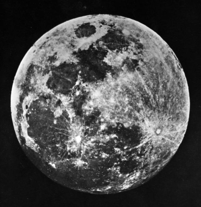 primera fotografía de la luna