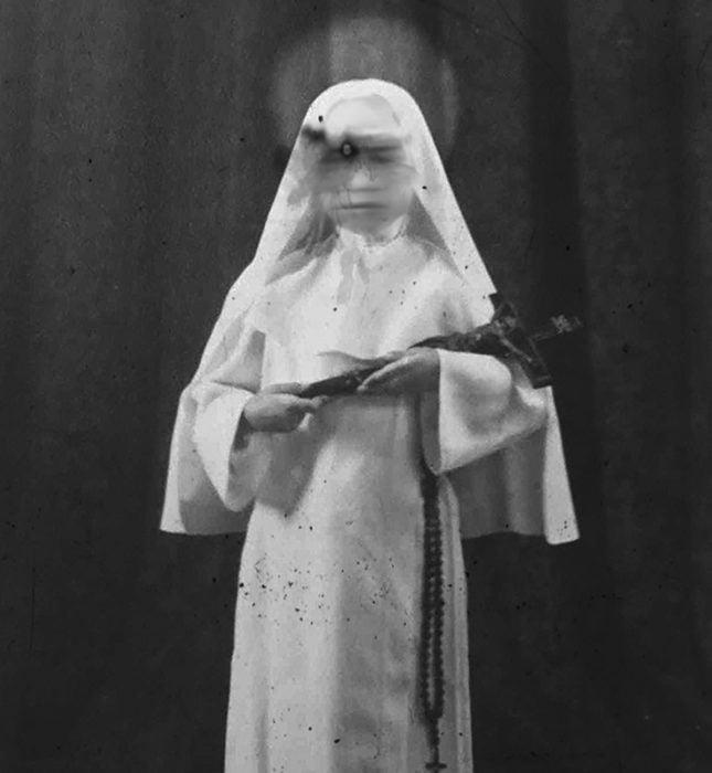 foto terrorífica de una monja
