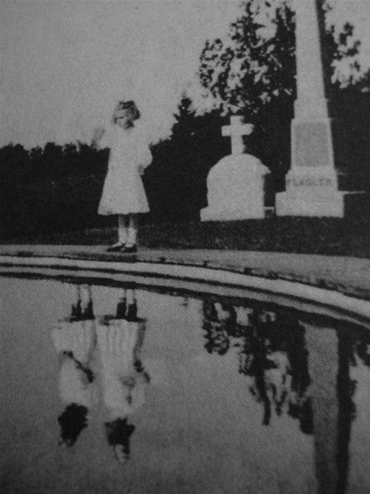 niña con reflejo doble