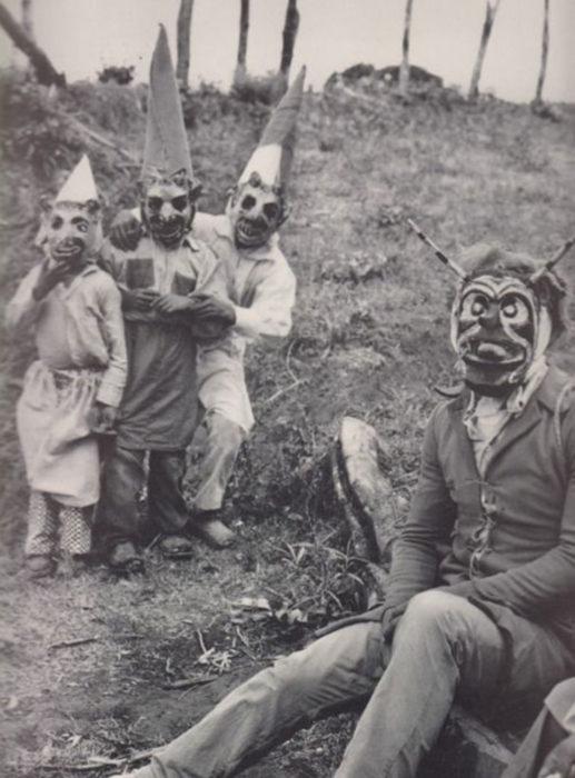 foto antigua de una pastorela infantil