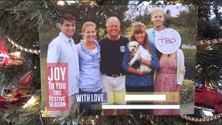 postal navideña de familia