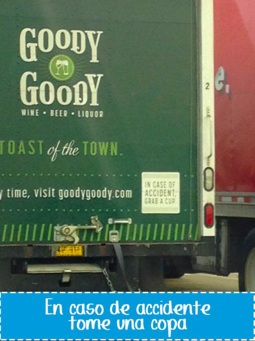 cartel gracioso en vehículo sobre vino