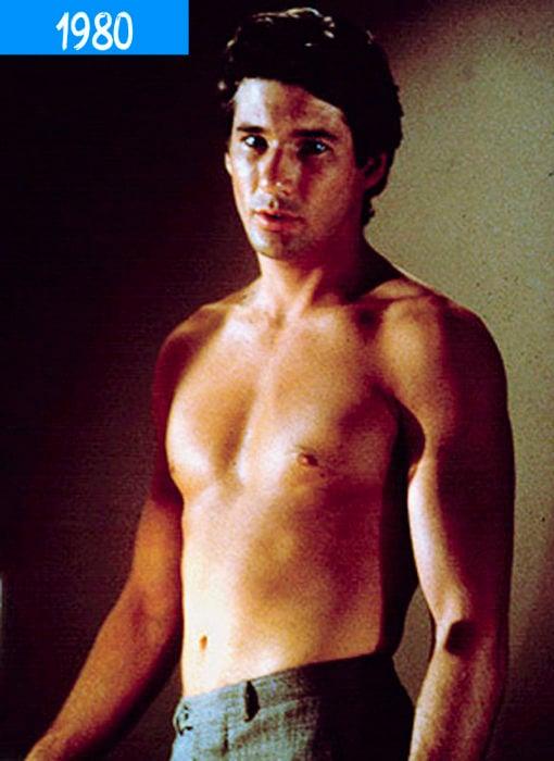 actor de los 80 sin camisa