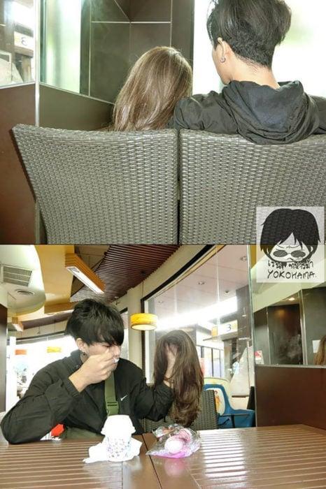 chico con una peluca en la mano finge una novia