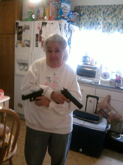 abuelita armada