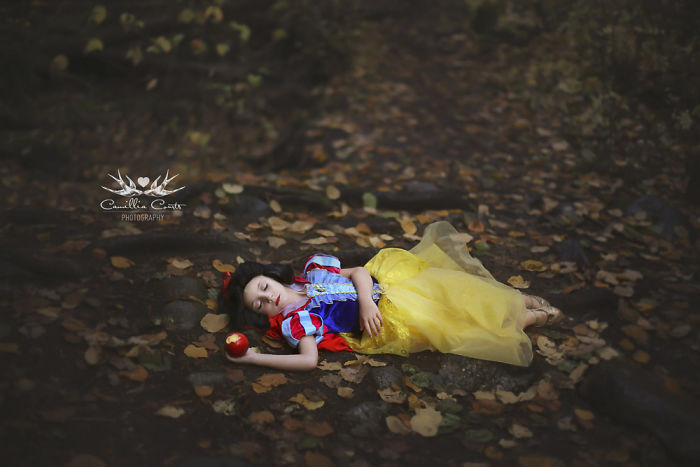 Cosplay Photoshop Disney Niña Blancanieves manzana bosque