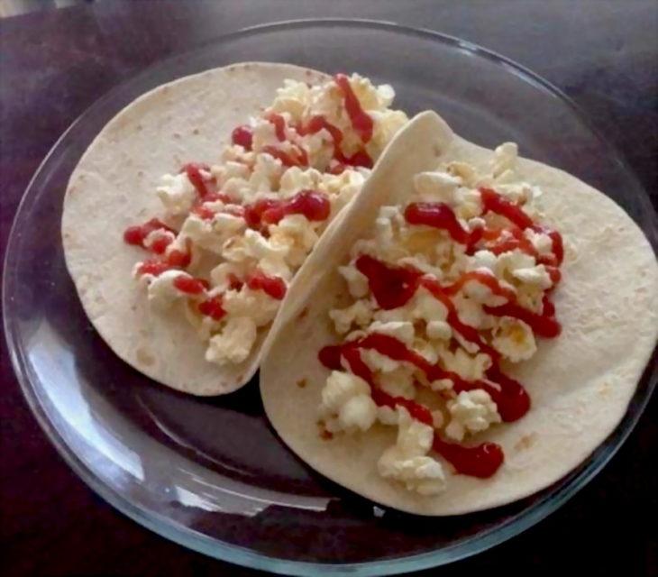 tacos palomitas con catsup