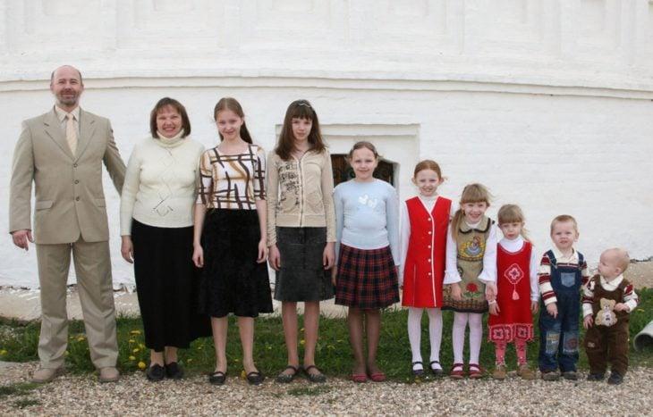 familia de niñas y al final dos niños