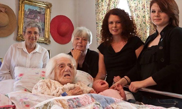 foto de 6 generaciones juntas