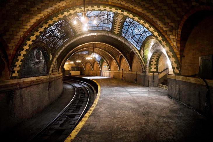 estación tren abandonada