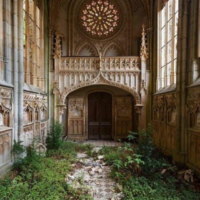 iglesia abandonada