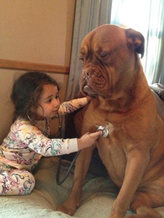 enfermedad niña doctora