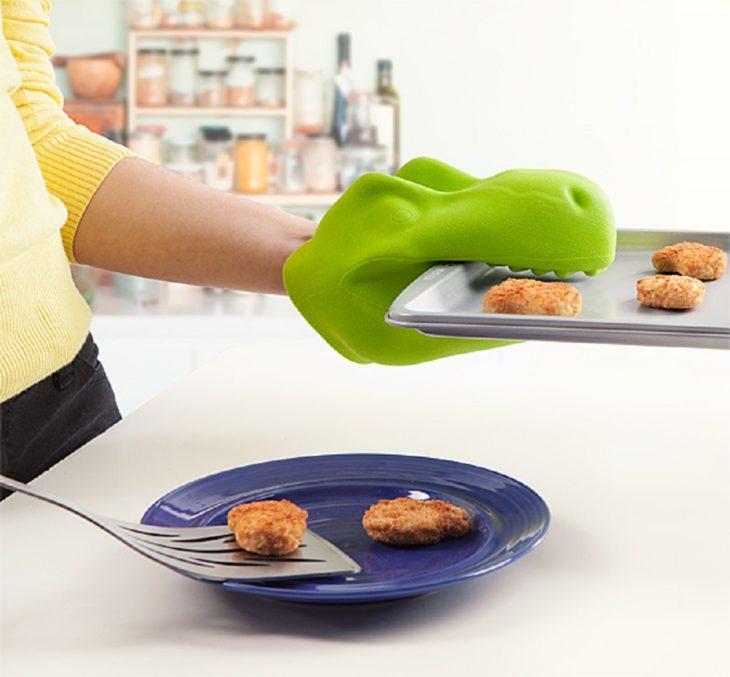 guantes forma de dinosaurio