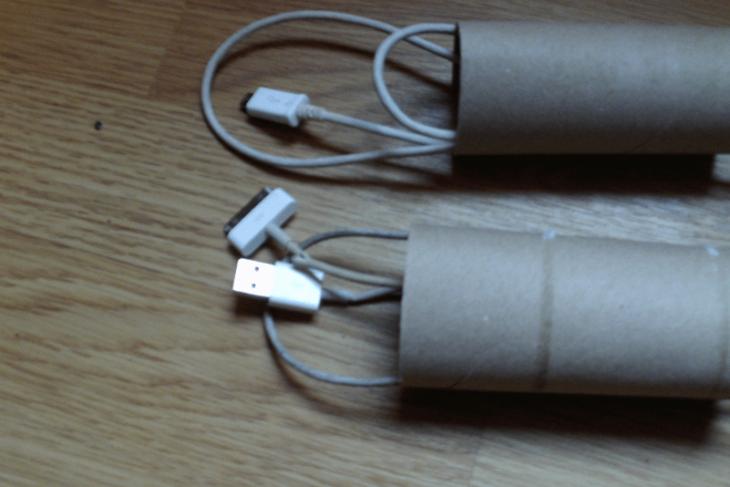 cables dnetro de los tubos de papel sanitario