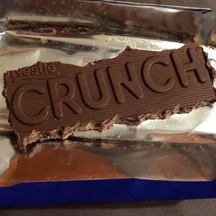 chocolaate al que se lo empezaron a comer por las orillas