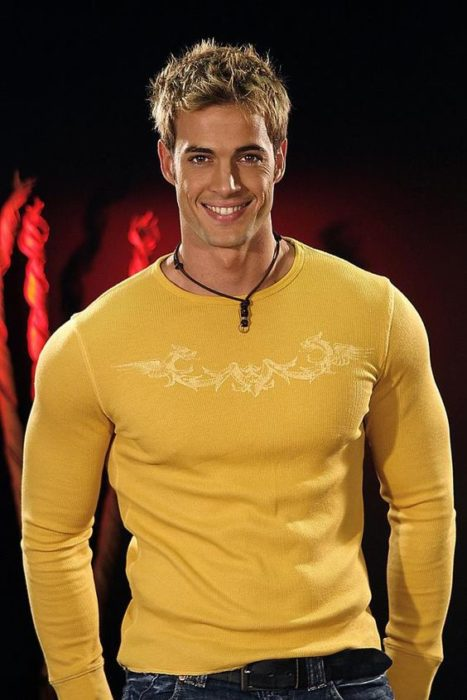 color amarillo william levy