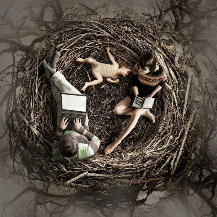 ilustración nido con personas dentro de él