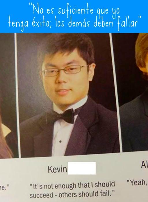 foto de anuario de asiático con lentes