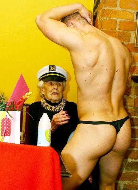 abuela y striper marinero