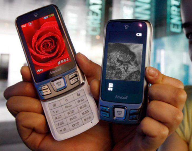 dos celulares de la década del 2000