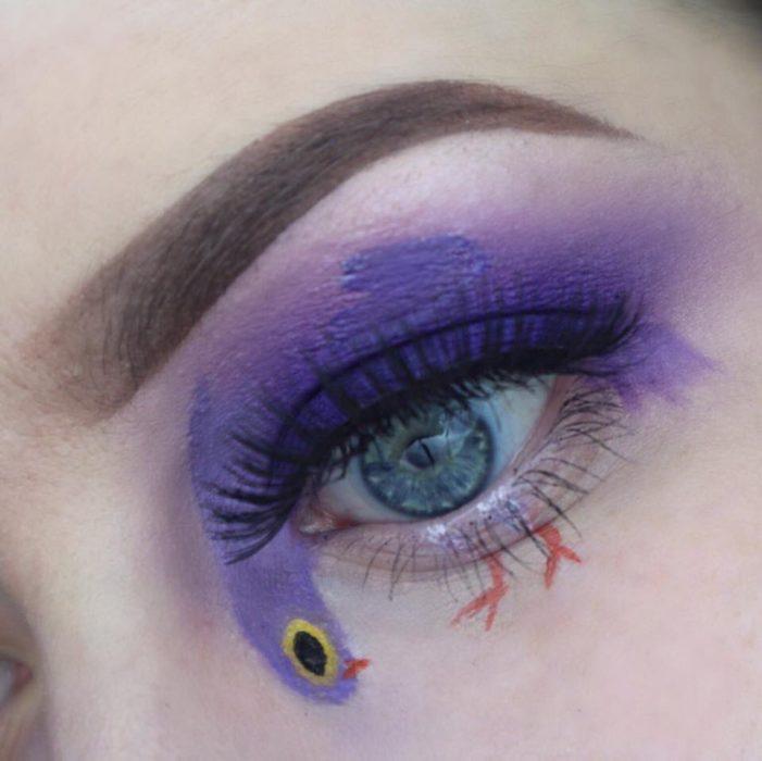 maquillaje de paloma morada