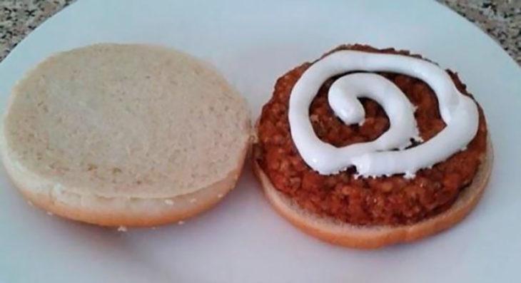 hamburguesa con pasta de dientes