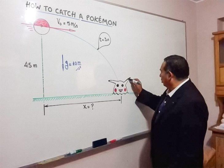 maestro pone ejemplo con una pokebola