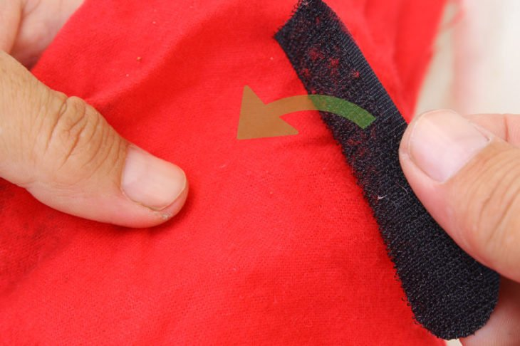 velcro en tela roja
