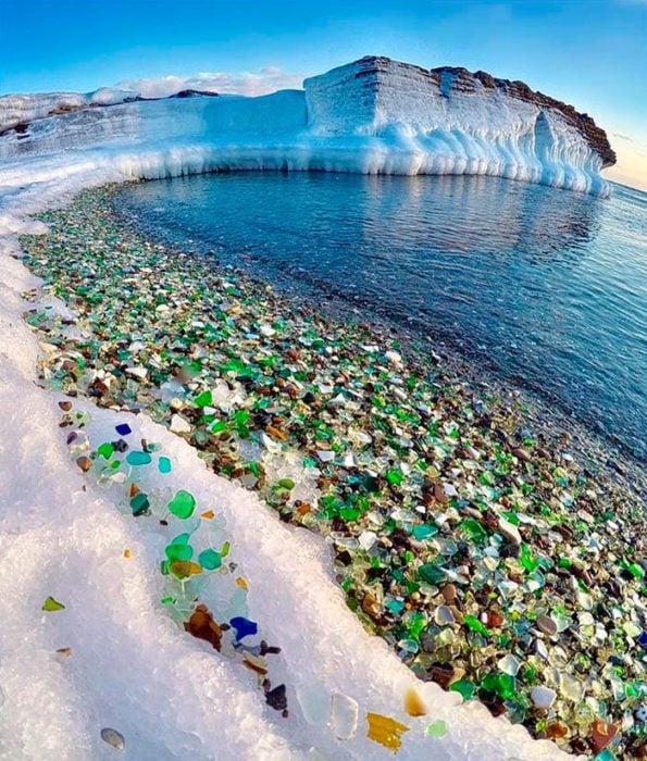 bahía ussuri pedernales de colores