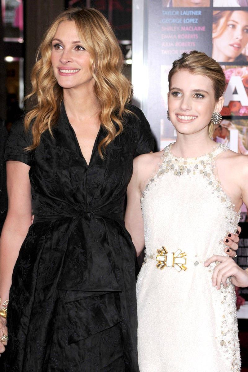 Emma Roberts And Julia Roberts 2017