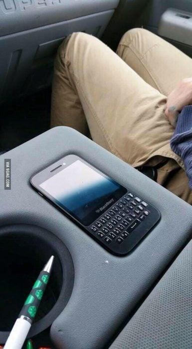 celular cabe perfectamente