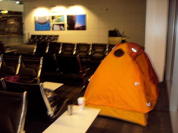 acampar en el aeropuerto