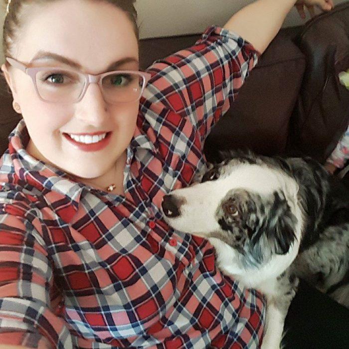 chica y su perra