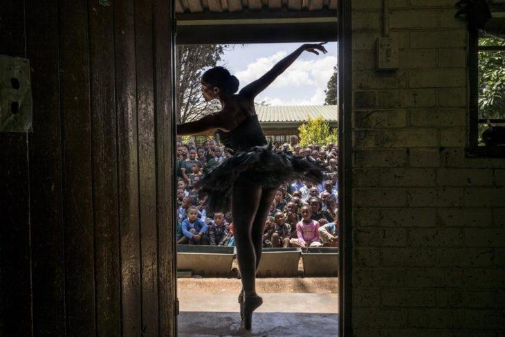 bailarina en escuela