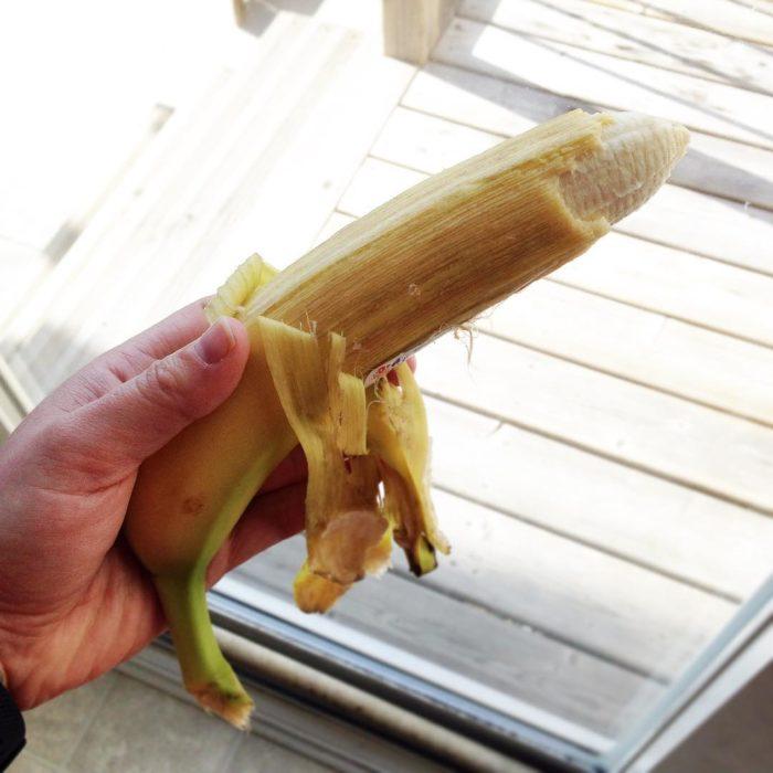plátano mal pelado
