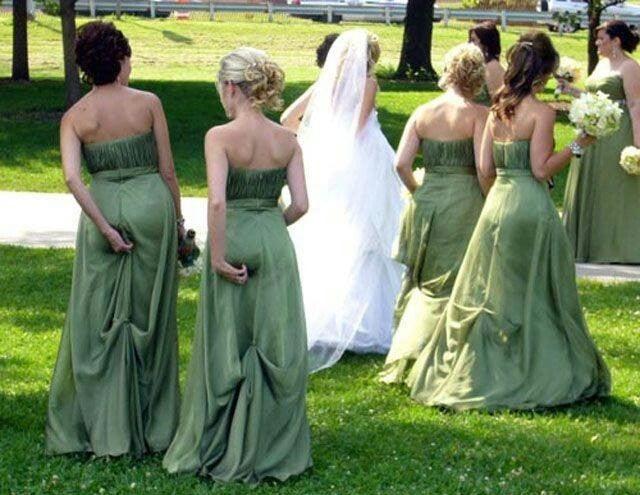 damas de honor sacándose el calzón