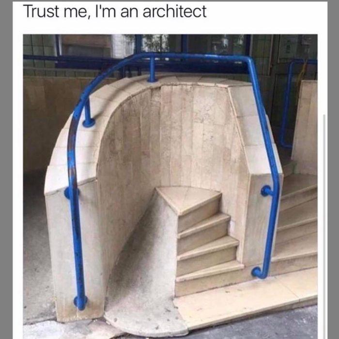 escalera sin propósito mal diseñada