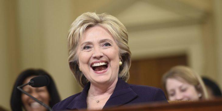 Hillary Clinton feliz