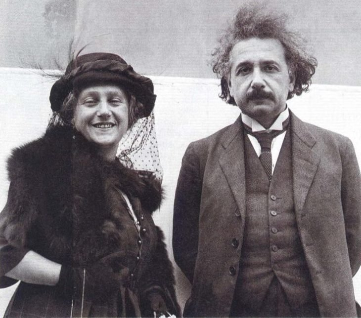 Albert Einstein y Elsa Lowenthal