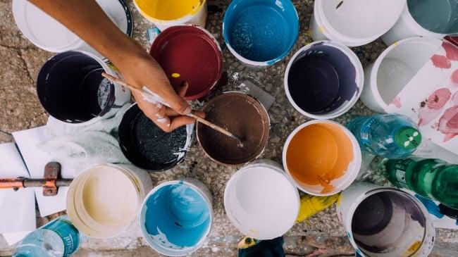 pintura pinceles botes