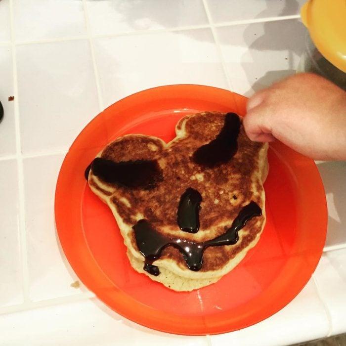 pancake de micley mouse mal hecho