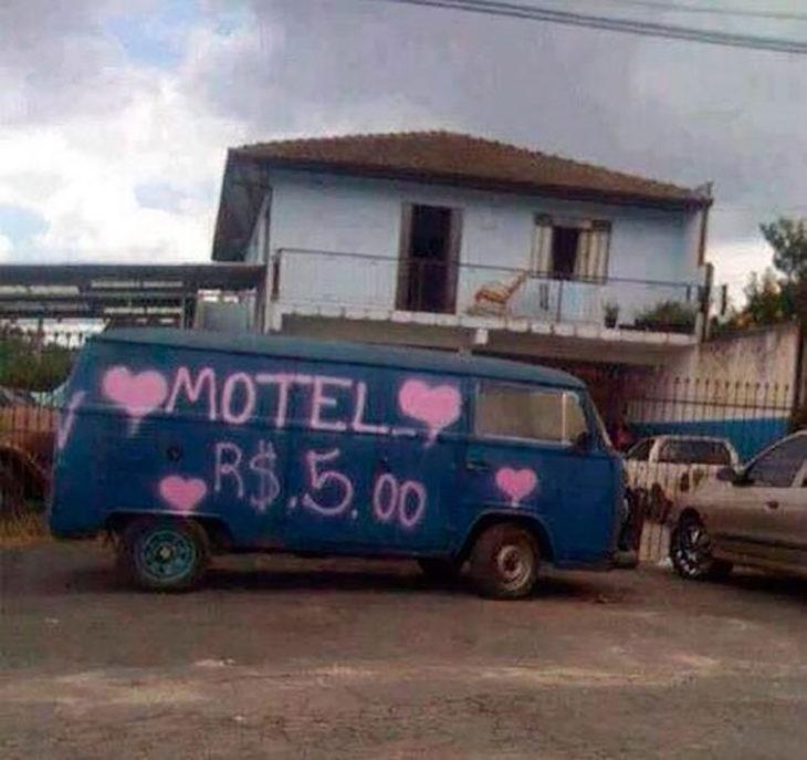camioneta convertida en motel