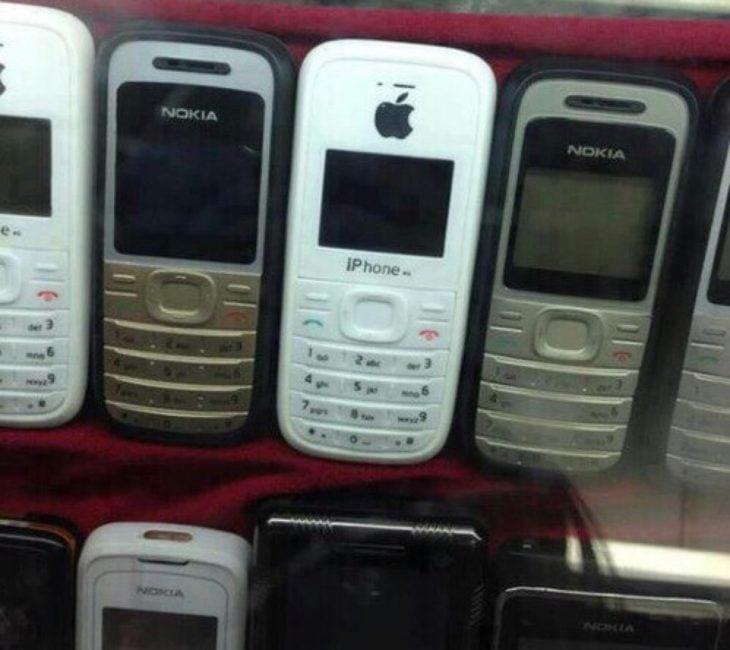 celular nokia con logo apple