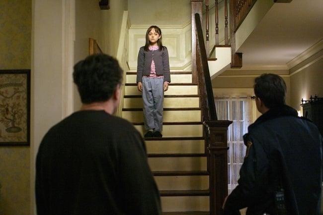 niña escalera Dakota