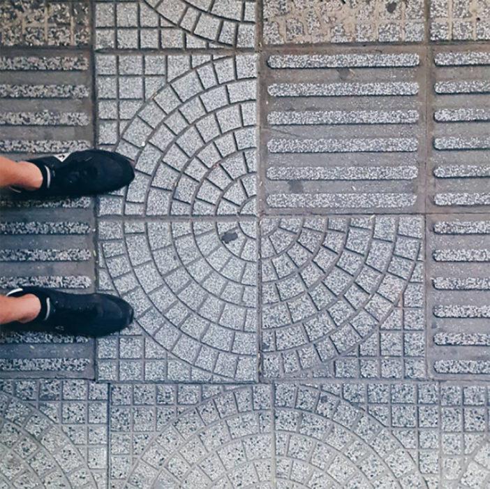 piso de cemento con figura