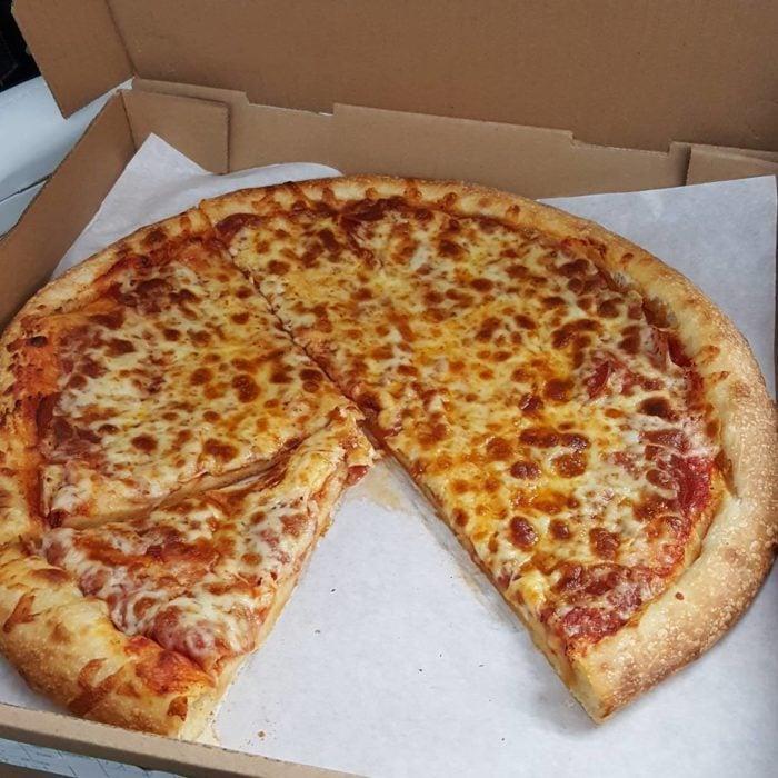 pizza sin cortar