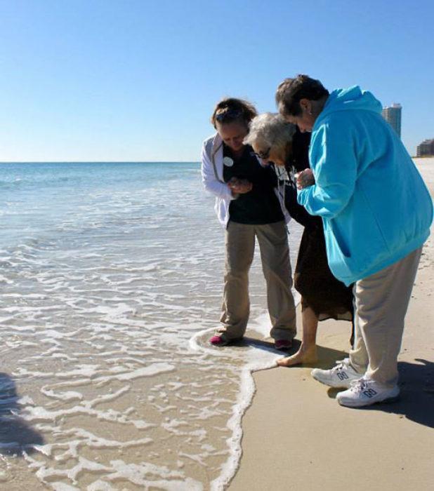 primera vez abuela playa